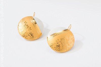 Ilse Collectie goud rond porseleinen oorhangers
