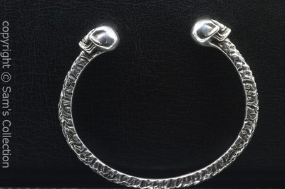Zilveren armband 2 doodskoppen