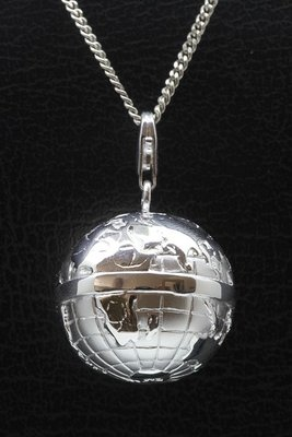 Zilveren Wereldbol XL mat/glans hanger en/of bedel