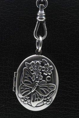 Foto medaillon Ovaal met vlinder 2 foto's ketting hanger zwaar verzilverd