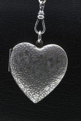 Foto medaillon Hart met vergeetmenietjes 2 foto's ketting hanger zwaar verzilverd