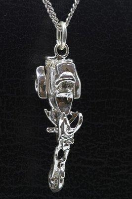 Zilveren Trike in detail 3D ketting hanger