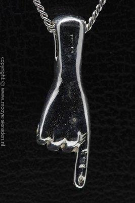 Zilveren Handteken wijzen naar ketting hanger