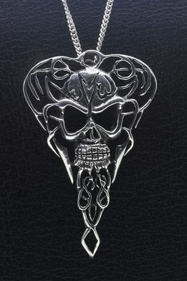 Zilveren Doodskop in punt XL ketting hanger