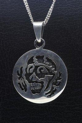 Zilveren Doodskop rond ketting hanger