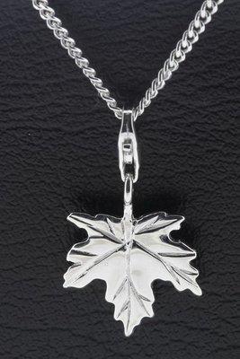 Zilveren Esdoorn blad hanger en/of bedel