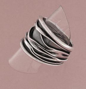 ZilverenRing design vrije banen met kreukels