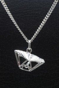 Zilveren Parasailer - Hangglider - Deltavlieger ketting hanger