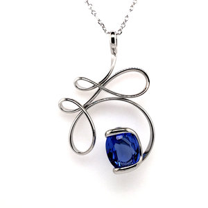 Ketting design groot met blauw swarovski kristal 45 cm